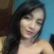 @DanielaM